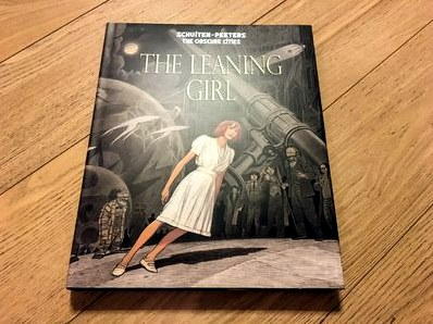 The leaning girl signed/limited edition  комикстрейд